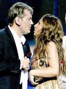 Ющенко один из первых поздравил Елену
